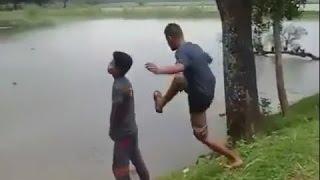 usil wkkkkkkk-jangan lihat kedalam lubang! - YouTube.FLV