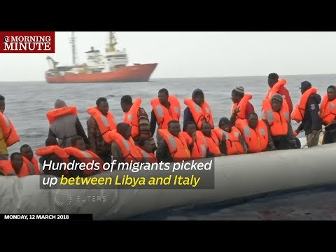 Hundreds of migrants picked up between Libya and Italy