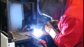 Сварка полуавтоматом MobiMIG в режиме MIG-MAG - в сети 110В(При помощи лабораторного автотрансформатора (ЛАТР) инверторный полуавтомат MobiMIG подключаем к питающей..., 2011-02-17T14:25:54.000Z)