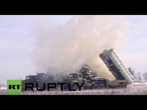 Russia: Winter troops fight off mock ambush on S-300-PM missile column