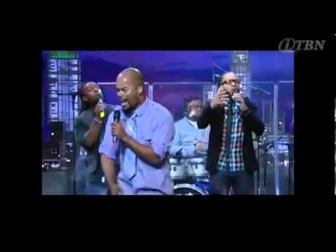 Youth Praise - Awesome Wonder [Live]