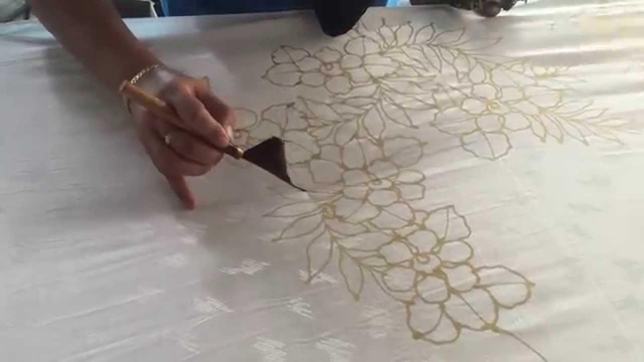Dessin main lev e avec un pinceau enduit de paraffine for Dessin mur