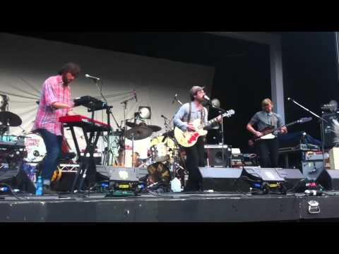 Live in Vancouver: Clap Your Hands Say Yeah - Let the Cool Goddess Rust Away