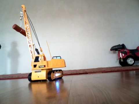 игрушка Подъемный кран на гусеничном ходу