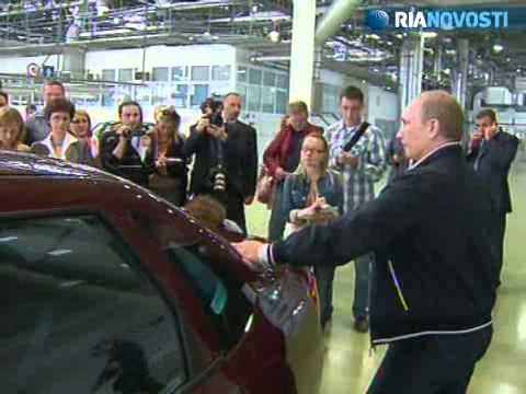 Putin tests the new Lada Granta and suggests it for travel to the dacha
