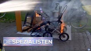Brandstiftung? Kinderwagen brennt lichterloh! | Auf Streife - Die Spezialisten | SAT.1 TV