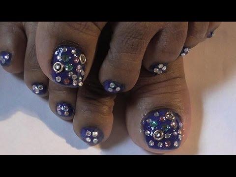 blinged toe nail design