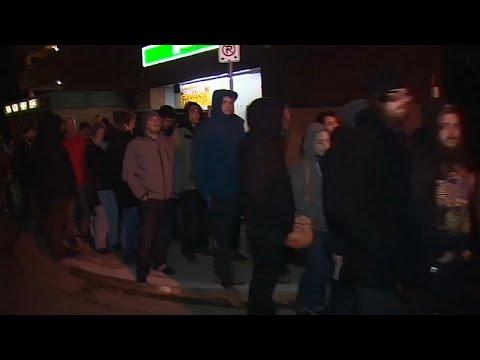 شاهد: هؤلاء لا ينتظرون الخبز.. بل طوابير شراء الماريجوانا في كندا بعد تشريعها…  - نشر قبل 3 ساعة