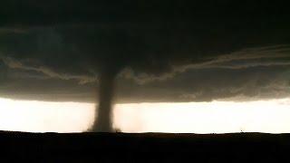 7 May 2016: Mesmerizing tornado at Wray, Colorado