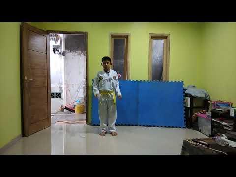 Belajar gerakan Taekwondo Basic 3 dan Basic 2 (by : Abi) Usia 10thn