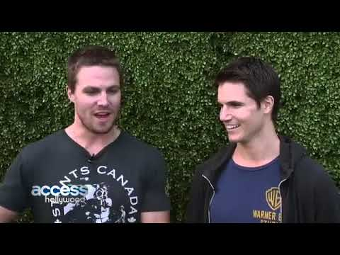 Stephen Amell  Robbie Amell What Were They Like Growing Up Comic Con 2013