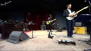 Chariots (Scofield) Guitar Solo - live @ NCPA - Vinay Kaushal