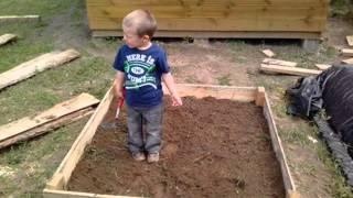 Детская песочницы своими руками(Детская песочницы своими руками для дачи. Как сделать песочницу для ребенка с подручных материалов? Изгото..., 2014-06-23T10:23:06.000Z)