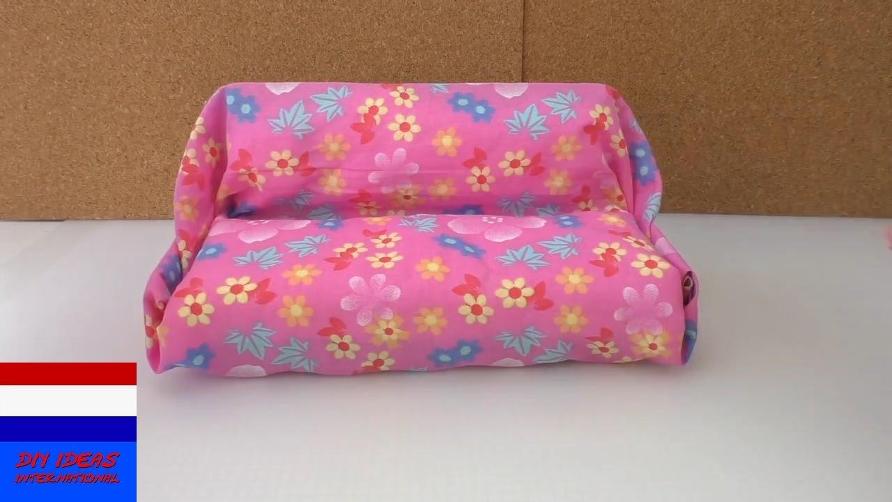Diy meubels maken sofa voor poppen youtube for Poppenhuis voor barbie