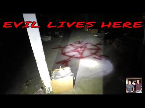 """3AM,  Abandoned Boat Dealership """" EVIL LIVES HERE""""  """"PENTAGRAM"""" EVP'S"""