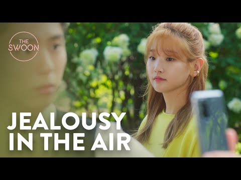 Park Bo-gum's onscreen girlfriend Lee Sung-kyoung ignites jealousy | Record of Youth Ep 12 [ENG SUB]