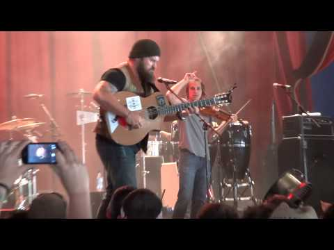 Zac Brown Band - Kashmir / Devil Went Down to Georgia / Keep Me in Mind - Glastonbury 2013