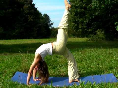 Chakrasana - Fortgeschrittene Yoga Übung - YouTube