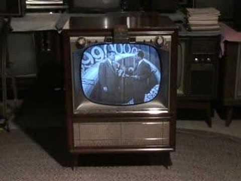 Watch the Honeymooners on a 1957 Zenith TV Part 1 of 3