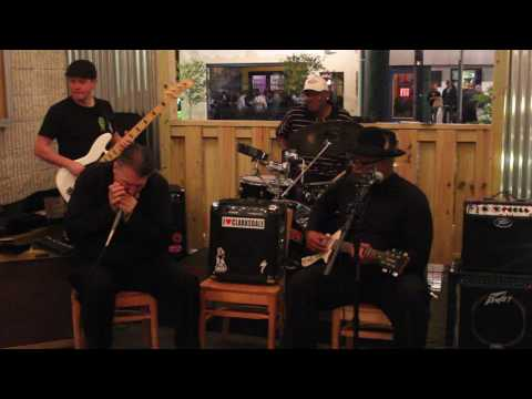 Reverend KM Williams Band - Stay All Night mp3