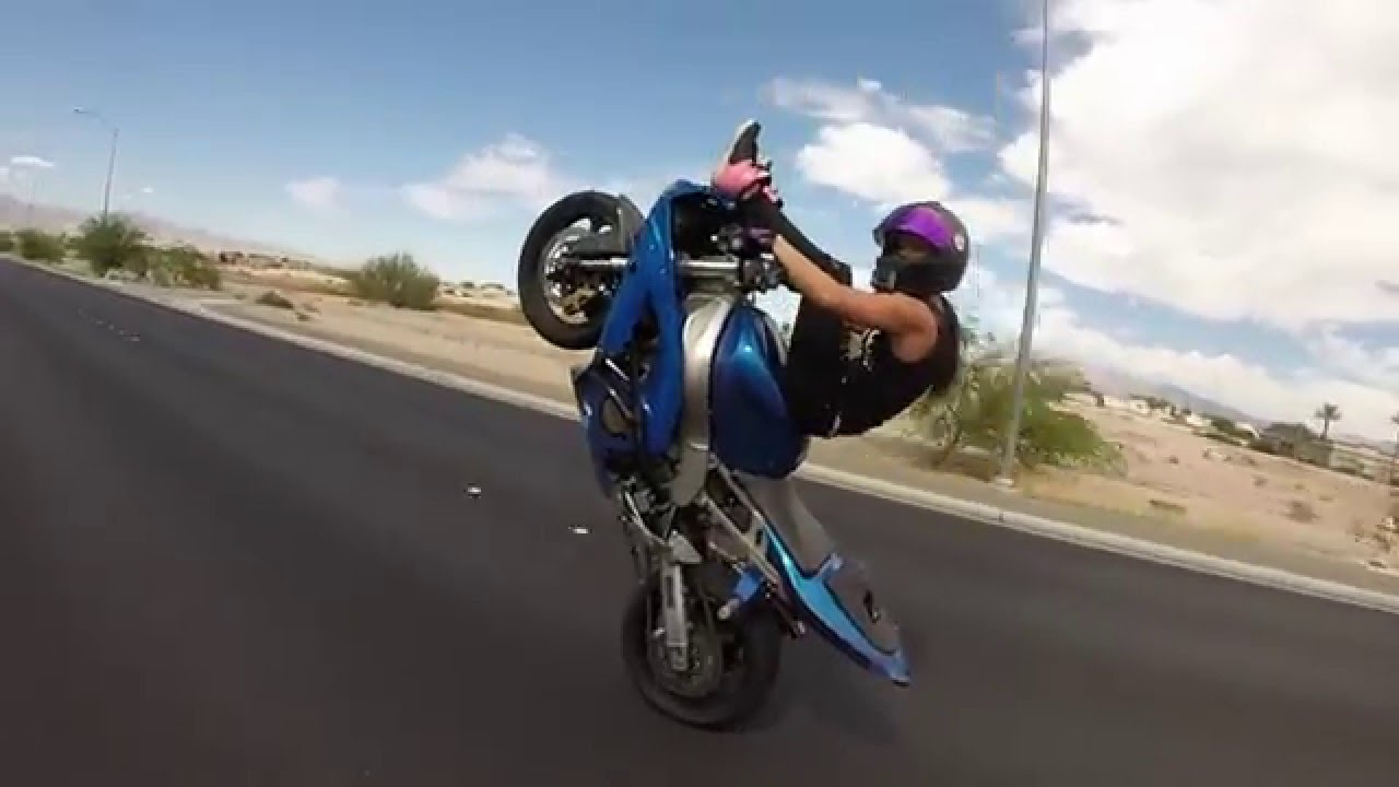 Yamaha R Wheelies Youtube