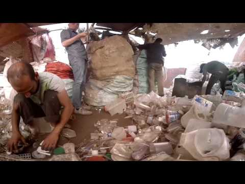 Graham Harman in the Garbage City of Cairo