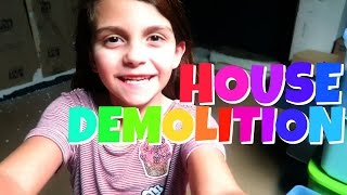 TRASHING THE HOUSE BEFORE WE MOVE KNOCKING DOWN THE WALLS | Emma & Ellie