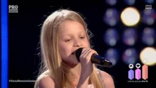 The Voice Kids Romania 2017 - Carla Sabau (De-ai fi tu salcie la mal...)