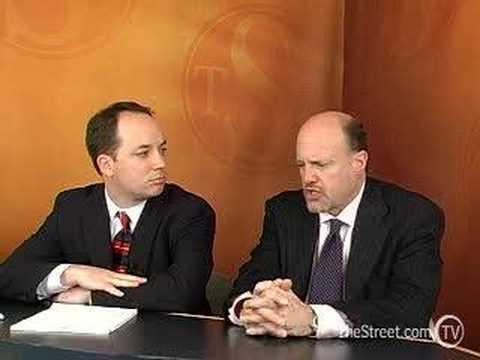Wall St. Confidential: Cramer Warns of a Blackstone Flood