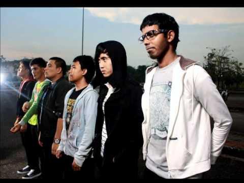 Sekumpulan Orang Gila - Satu Melayu (lyrics Video)