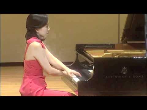 Young-Ah Tak: Schubert Piano Sonata in C Minor, D.958 (1st movement)
