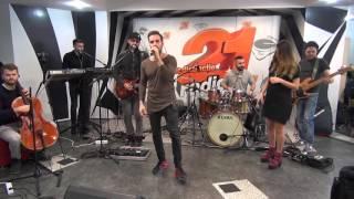 Randi - Dansam (LIVE @ Radio 21)