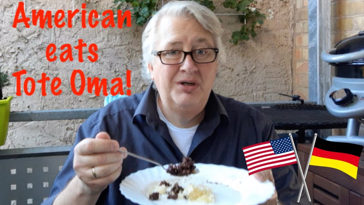 An American eats Tote Oma! (Fried Blutwurst!)