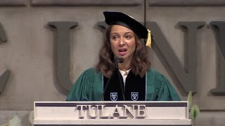 maya rudolph channels beyonce oprah during hilarious commencement speech