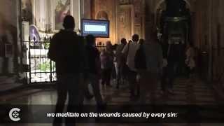 Pope helps Rome homeless see shroud