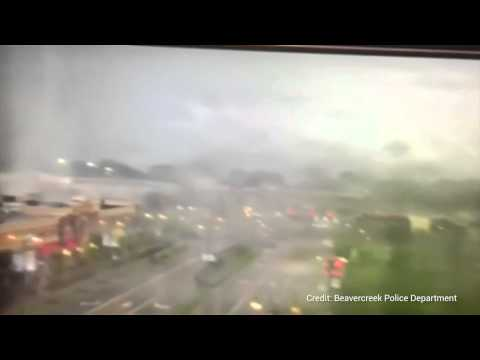 Amateur video shows tornado rage through Ohio town