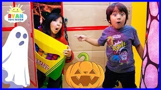 Ryan's Giant Crayons Lost in Halloween Box Fort Maze!!! Fun Pretend...