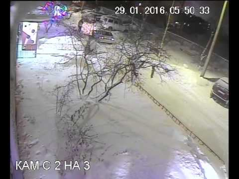 Как в Кандалакше сотрудники полиции оказывают помощь потерпевшему