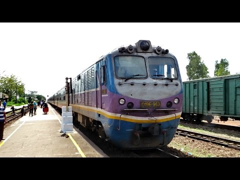 WITH THE TRAIN FROM QUANG NGAI TO DA NANG VIETNAM / Travel Video January 2017
