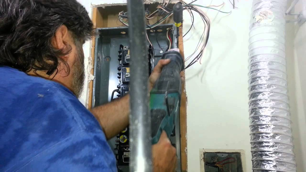 Removing Old Fuse Panels Installing Breaker Panels8 Youtube Electrical Breakers Load Centers Fuses Circuit