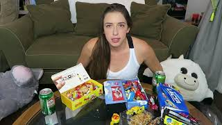 AMERICAN TRYING BRAZILIAN SNACKS AND CANDY!