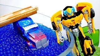 Игры с Трансформерами - Оптимус упал в озеро! - Видео про машинки.(, 2018-04-25T11:34:09.000Z)