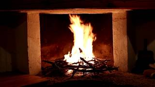 haardvuur / fireplace  / feu de foyer romantic Burning Fireplace with Crackling Fire Sounds