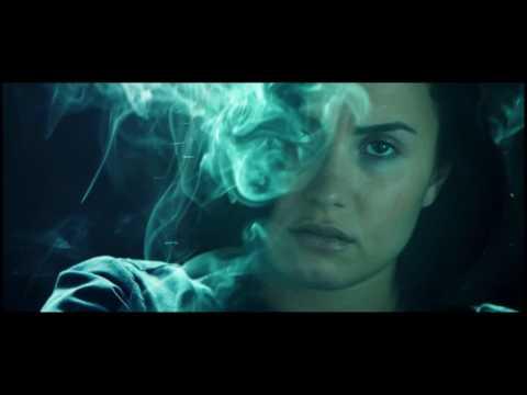 Demi Lovato - Confident (Lyrics Video)