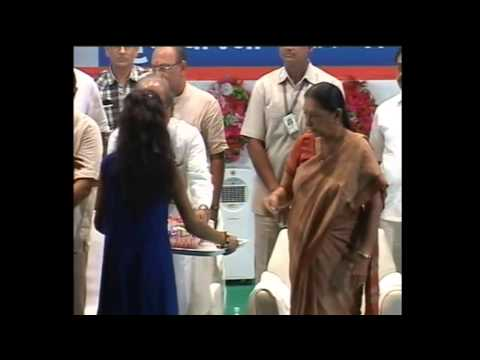 Smt. Anandiben dedicates various schemes of Gujarat Housing Board in Rajkot