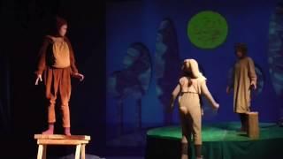 Joniškio vaikų ir jaunimo teatro BENDRAAMŽIAI spektaklio