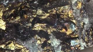 ミニチュア撮影 鉱物 サマルスカイト(HD)