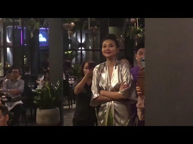Các thí sinh vào nhà chung The Face 2018 chúc mừng siêu mẫu diễn viên Thanh Hằng khai trương