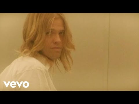 Foo Fighters - Ty Hawkstone Personal Clip (Long Road To Ruin Extra)