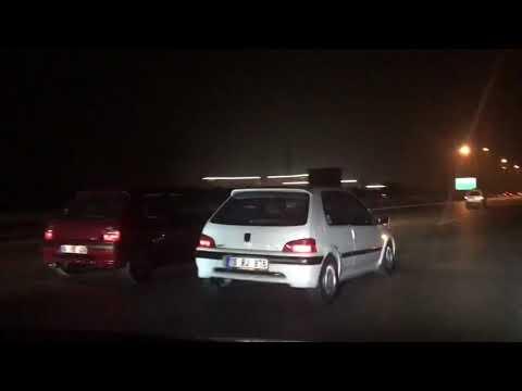 Peugeot 106 Gti Opel Corsa Megane 2 Otoban Gazlama